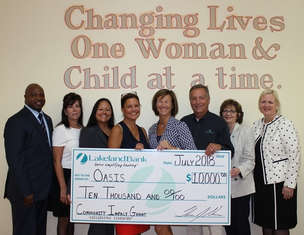 Grant Presentation to Oasis